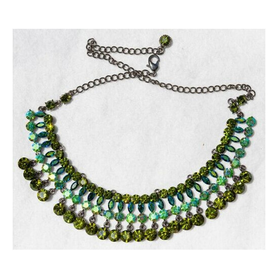* TEAL, GREEN AND TURQUOISE CRYSTAL NECKLACE * Perfect condition